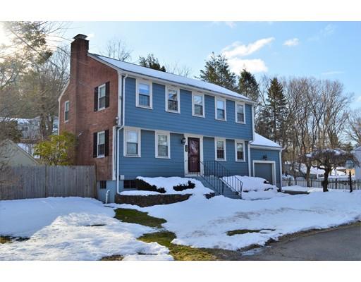 Maison unifamiliale pour l Vente à 468 Central Street 468 Central Street Framingham, Massachusetts 01701 États-Unis