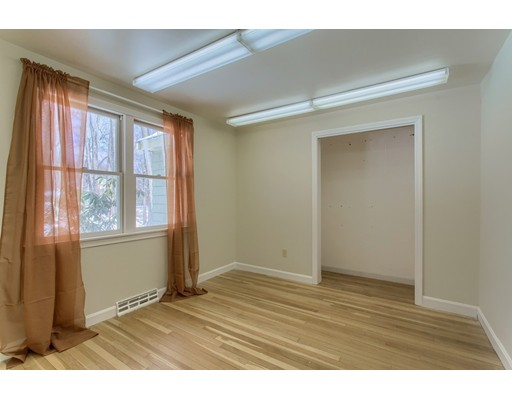 10 Cliff Road, Chelmsford, MA, 01824
