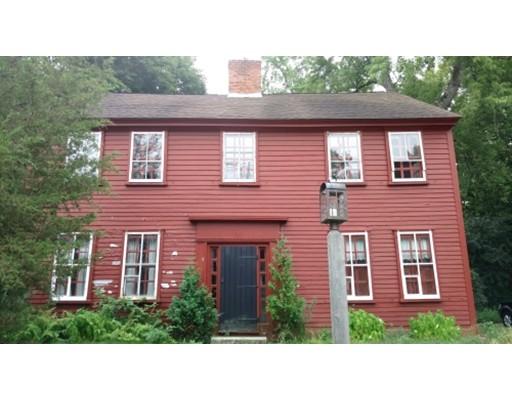 Casa Unifamiliar por un Venta en 464 Newport Avenue 464 Newport Avenue Attleboro, Massachusetts 02703 Estados Unidos