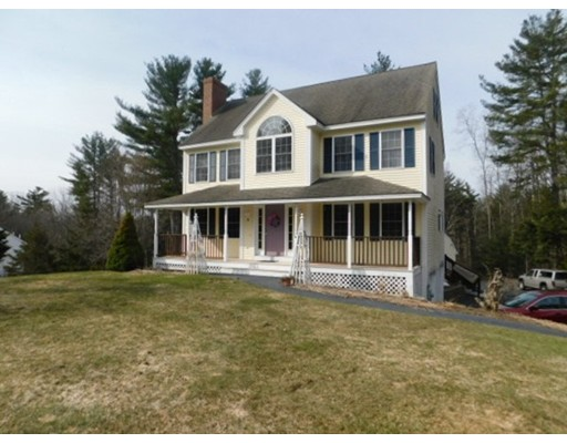 Single Family Home for Sale at 70 Peaselee Crossing 70 Peaselee Crossing Newton, New Hampshire 03858 United States