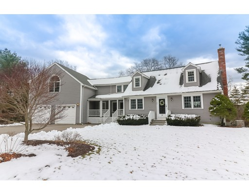 Maison unifamiliale pour l Vente à 14 Cranberry Circle 14 Cranberry Circle Carver, Massachusetts 02330 États-Unis