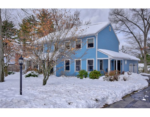 Single Family Home for Sale at 20 Decatur Drive 20 Decatur Drive Nashua, New Hampshire 03062 United States