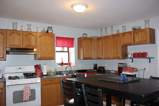 Picture 2 of 6 Edwards Place  Chelmsford Ma 5 Bedroom Multi-family