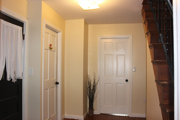 Picture 9 of 6 Edwards Place  Chelmsford Ma 5 Bedroom Multi-family
