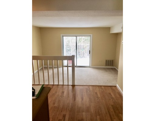 Condominio por un Venta en 119 Tall Oaks 119 Tall Oaks Weymouth, Massachusetts 02190 Estados Unidos