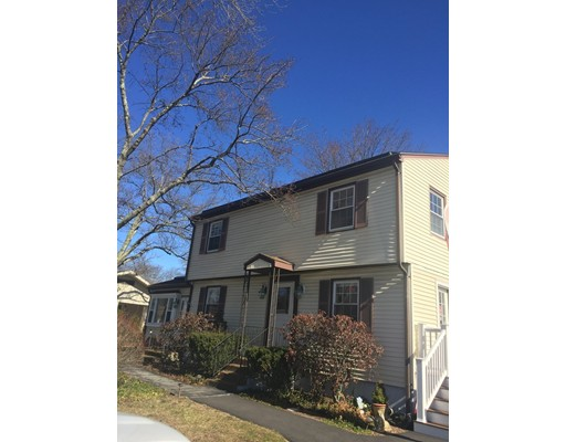 واحد منزل الأسرة للـ Sale في 461 Pulaski Blvd 461 Pulaski Blvd Bellingham, Massachusetts 02019 United States