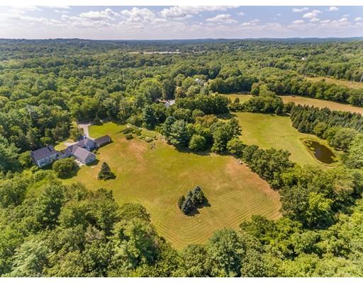 Maison unifamiliale pour l Vente à 64 Perkins Row 64 Perkins Row Topsfield, Massachusetts 01983 États-Unis