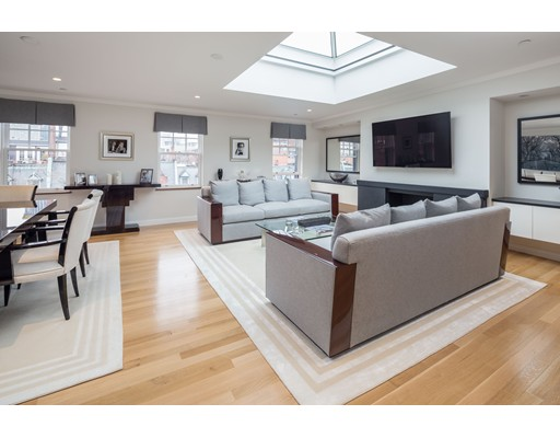 Appartement en copropriété pour l à louer à 476 Beacon Street #PH 476 Beacon Street #PH Boston, Massachusetts 02115 États-Unis
