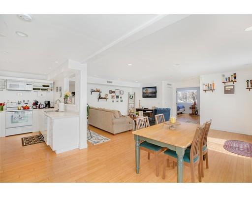Condominio por un Venta en 211 West Street 211 West Street Quincy, Massachusetts 02169 Estados Unidos