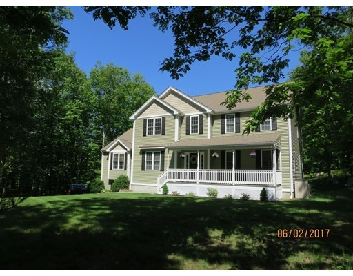 Частный односемейный дом для того Продажа на 43 King Street 43 King Street Uxbridge, Массачусетс 01569 Соединенные Штаты
