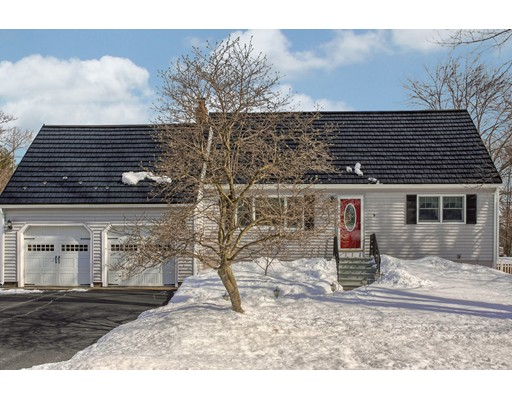 Single Family Home for Sale at 32 Shawnee Road Pepperell, Massachusetts 01463 United States