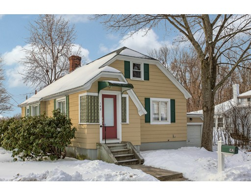 142  Buttrick Ave,  Fitchburg, MA