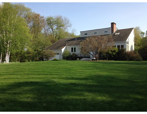 Single Family Home for Sale at 542 Sugar Road 542 Sugar Road Bolton, Massachusetts 01740 United States