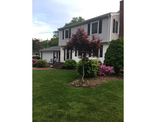 Single Family Home for Sale at 133 Westside Avenue 133 Westside Avenue North Attleboro, Massachusetts 02760 United States