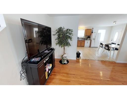 共管式独立产权公寓 为 销售 在 335 Water Street Lawrence, 01841 美国