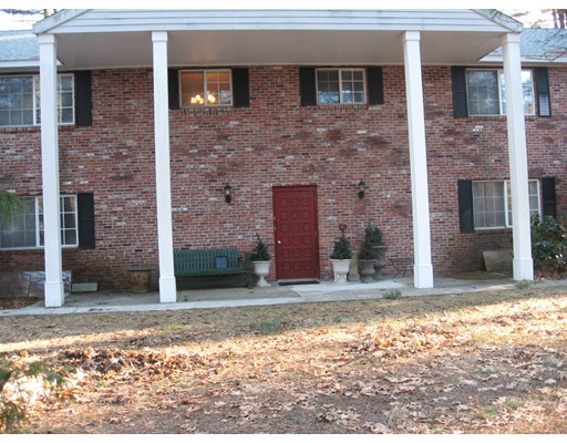 Single Family Home for Rent at 185 Gleasondale - Unit 2 185 Gleasondale - Unit 2 Stow, Massachusetts 01775 United States