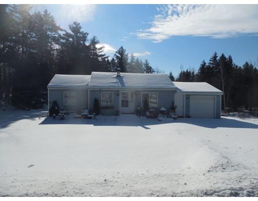 Maison unifamiliale pour l Vente à 60 Mohawk Trail 60 Mohawk Trail Florida, Massachusetts 01247 États-Unis
