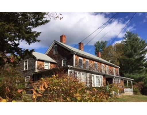 Casa Multifamiliar por un Venta en 868 Pleasant Street 868 Pleasant Street Attleboro, Massachusetts 02703 Estados Unidos