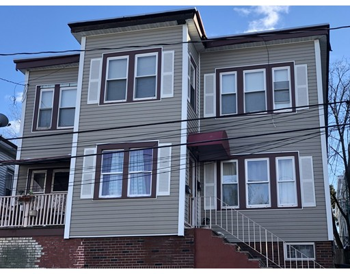 Многосемейный дом для того Продажа на 129 Grove Street 129 Grove Street Chelsea, Массачусетс 02150 Соединенные Штаты