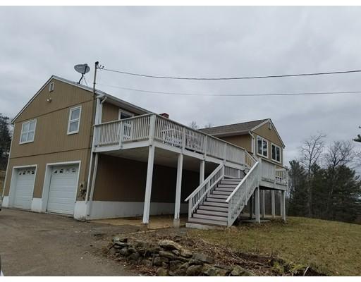 واحد منزل الأسرة للـ Sale في 100 Davis Road 100 Davis Road New Braintree, Massachusetts 01531 United States