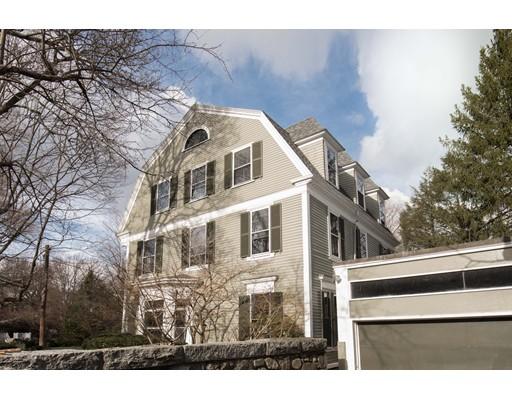 Частный односемейный дом для того Продажа на 68 Sparks Street 68 Sparks Street Cambridge, Массачусетс 02138 Соединенные Штаты