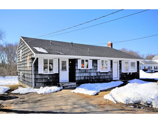 Single Family Home for Sale at 92 Elm Street 92 Elm Street East Bridgewater, Massachusetts 02333 United States