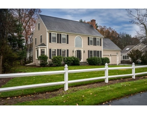 Single Family Home for Sale at 38 Kings Road 38 Kings Road Norwood, Massachusetts 02062 United States