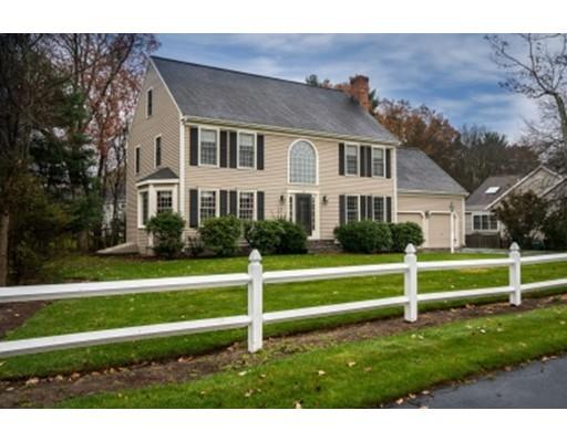 Maison unifamiliale pour l Vente à 38 Kings Road 38 Kings Road Norwood, Massachusetts 02062 États-Unis