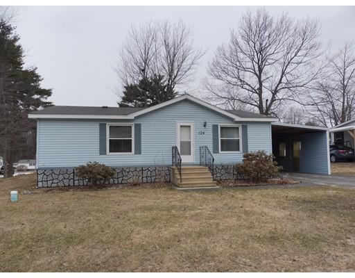 Maison unifamiliale pour l Vente à 124 Rosewood Drive 124 Rosewood Drive Gardner, Massachusetts 01440 États-Unis