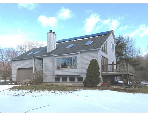 واحد منزل الأسرة للـ Sale في 103 North Washington Street 103 North Washington Street Belchertown, Massachusetts 01007 United States