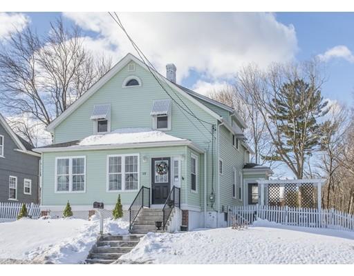 واحد منزل الأسرة للـ Sale في 523 Smithfield Road 523 Smithfield Road North Smithfield, Rhode Island 02896 United States
