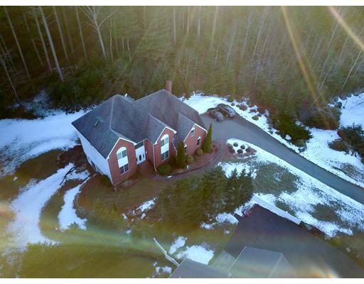 Maison unifamiliale pour l Vente à 30 Skyline Circle 30 Skyline Circle Canton, Massachusetts 02021 États-Unis