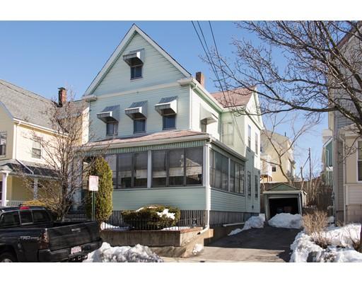 Maison unifamiliale pour l Vente à 31 Marie Avenue 31 Marie Avenue Everett, Massachusetts 02149 États-Unis