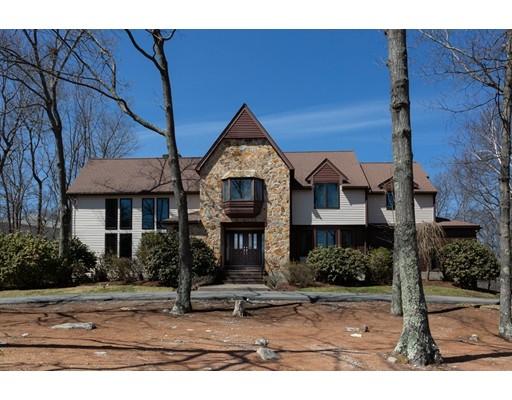 独户住宅 为 销售 在 47 Castle Drive 47 Castle Drive 莎伦, 马萨诸塞州 02067 美国