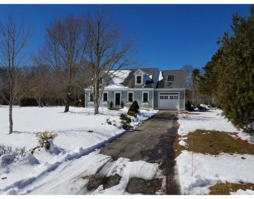 واحد منزل الأسرة للـ Sale في 40 Stanhope Road 40 Stanhope Road Falmouth, Massachusetts 02536 United States