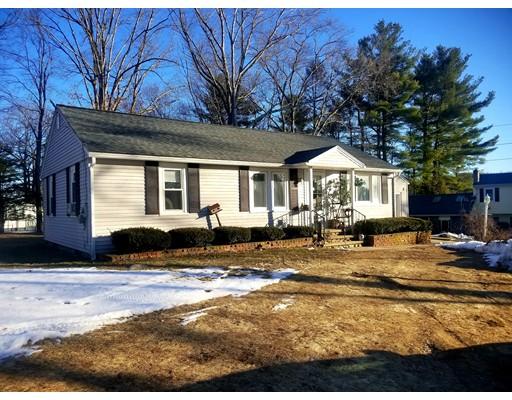 واحد منزل الأسرة للـ Sale في 23 Oakwood Avenue 23 Oakwood Avenue Dudley, Massachusetts 01571 United States