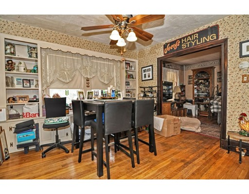 Casa Unifamiliar por un Venta en 1247 Park Street 1247 Park Street Stoughton, Massachusetts 02072 Estados Unidos