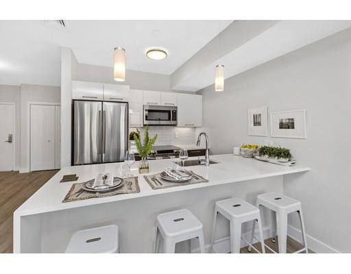 شقة بعمارة للـ Sale في 70 Bremen Street 70 Bremen Street Boston, Massachusetts 02128 United States