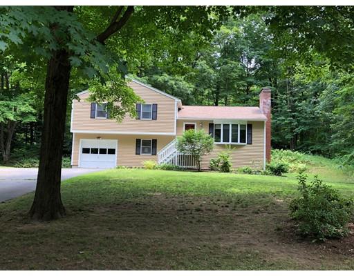 Maison unifamiliale pour l Vente à 26 Falls Road 26 Falls Road Sunderland, Massachusetts 01375 États-Unis