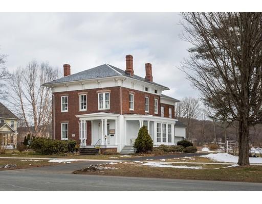 Maison unifamiliale pour l Vente à 94 Main Street 94 Main Street Hatfield, Massachusetts 01038 États-Unis