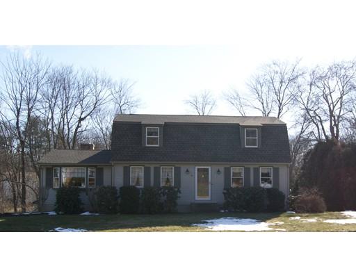Casa Unifamiliar por un Venta en 44 Forest Hill Road 44 Forest Hill Road Agawam, Massachusetts 01030 Estados Unidos