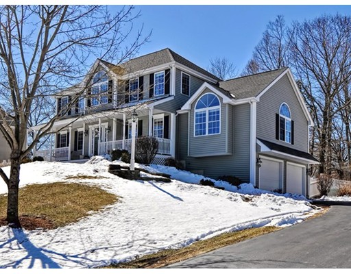 Single Family Home for Sale at 1071 Lincolnshire Drive 1071 Lincolnshire Drive North Attleboro, Massachusetts 02760 United States