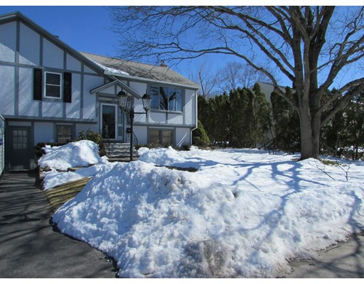 Single Family Home for Sale at 103 Dawn Blvd 103 Dawn Blvd Woonsocket, Rhode Island 02895 United States