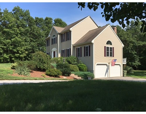 Single Family Home for Sale at 27 Hilltop Drive 27 Hilltop Drive Douglas, Massachusetts 01516 United States