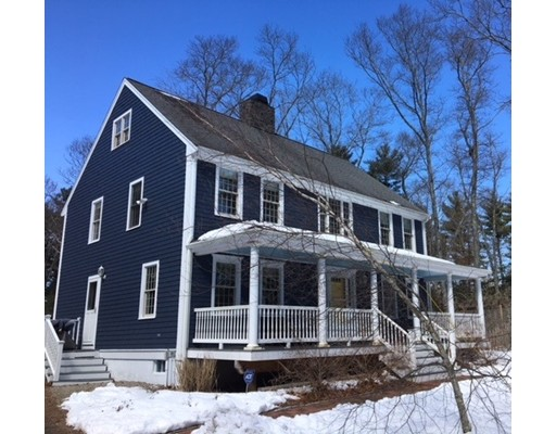 Maison unifamiliale pour l Vente à 3 Captain Perkins Drive 3 Captain Perkins Drive Carver, Massachusetts 02330 États-Unis