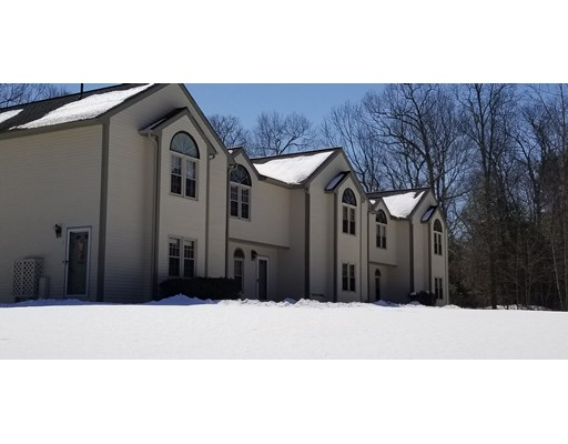 共管式独立产权公寓 为 销售 在 3 Oak Hill Estates #3 3 Oak Hill Estates #3 Woodstock, 康涅狄格州 06281 美国