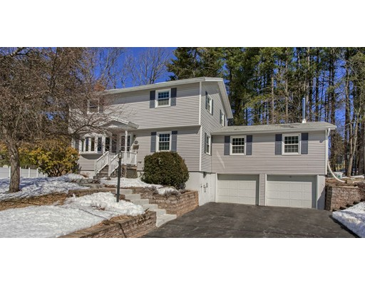 Single Family Home for Sale at 14 Vincent Street 14 Vincent Street Chelmsford, Massachusetts 01824 United States