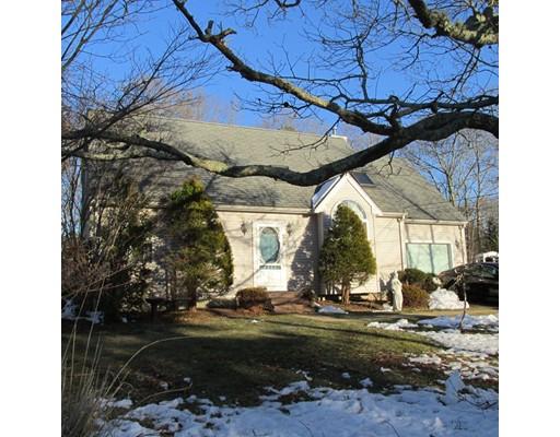 واحد منزل الأسرة للـ Sale في 40 Shorewood Drive 40 Shorewood Drive Falmouth, Massachusetts 02536 United States