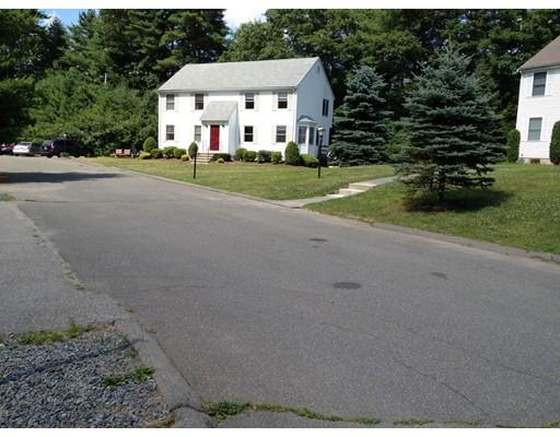 Таунхаус для того Аренда на 343 Foundry St #1 343 Foundry St #1 Easton, Массачусетс 02356 Соединенные Штаты