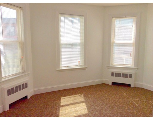 Single Family Home for Rent at 90 Winthrop Shore Drive 90 Winthrop Shore Drive Winthrop, Massachusetts 02152 United States